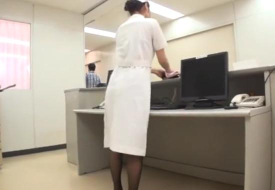 入院患者たちの言いなり性処理玩具!美尻で超美魔女なドMベテラン婦長