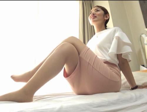 ピタパン尻!タイトスカートの美人妻をナンパして美巨尻にぶっかけ!2